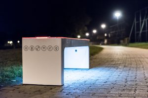 Steora smart bench Ambiente Licht. Intelligente Parkbank