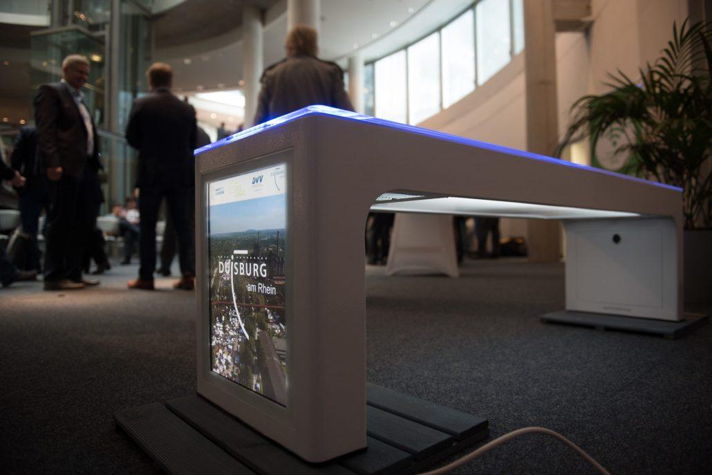 Steora smart bench auf dem smart meeting der Stadt Duisburg